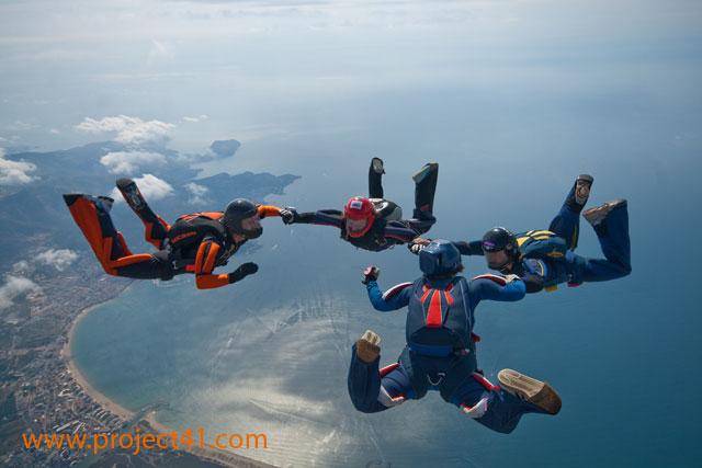 paracaidismo--hotWeekenderByProject41169-(5).jpg