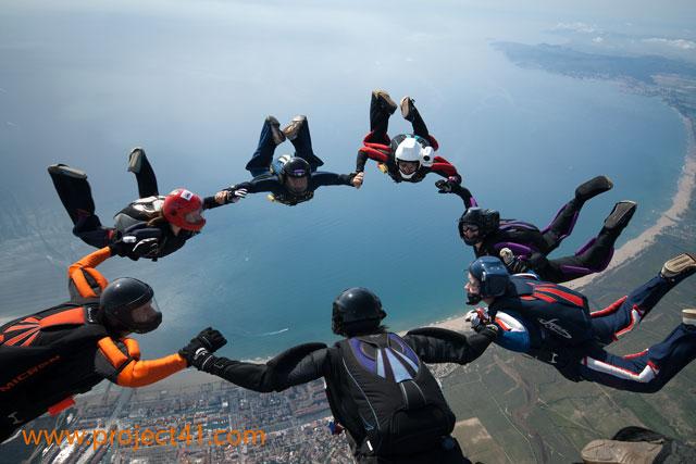 paracaidismo--hotWeekenderByProject41169-(7).jpg