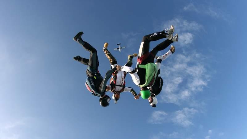 paracaidismo--byWillPenny-VectorFestival09-(4).JPG