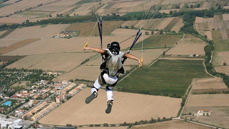 paracaidismo--tn_byWillPennyVectorFestival09.jpg