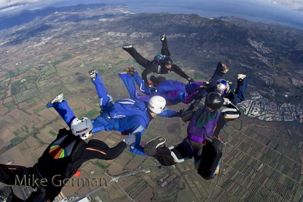 paracaidismo--byMikeGormanHotWeekender10-(25).jpg