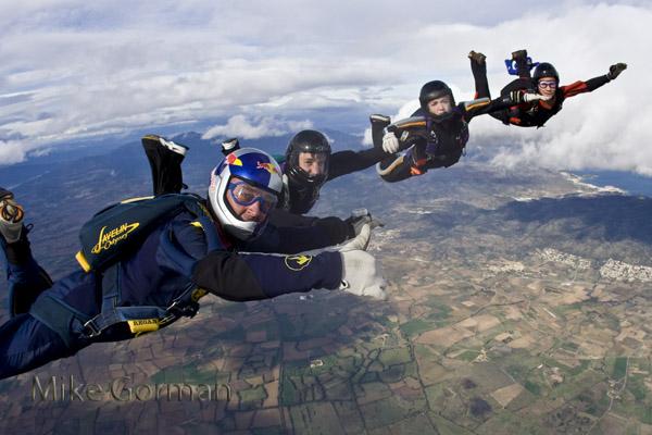 paracaidismo--byMikeGormanHotWeekender10-(29).jpg