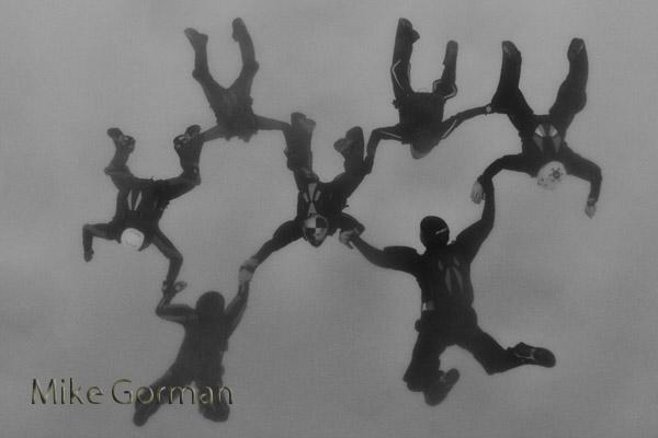 paracaidismo--byMikeGormanHotWeekender10-(4).jpg