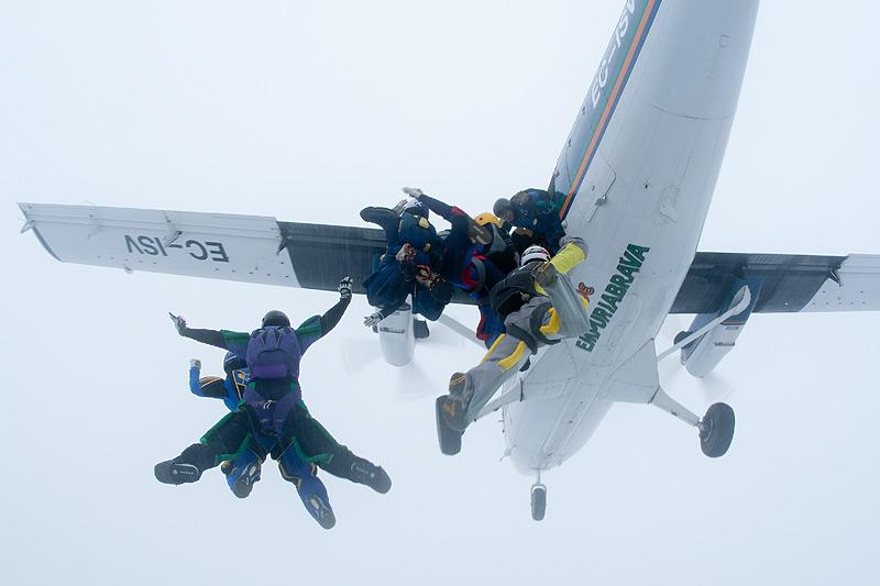 paracaidismo--xmas091226ByProject41-(12).jpg