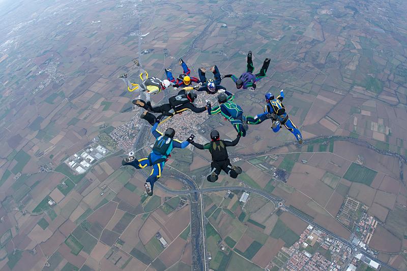 paracaidismo--xmas091226ByProject41-(15).jpg