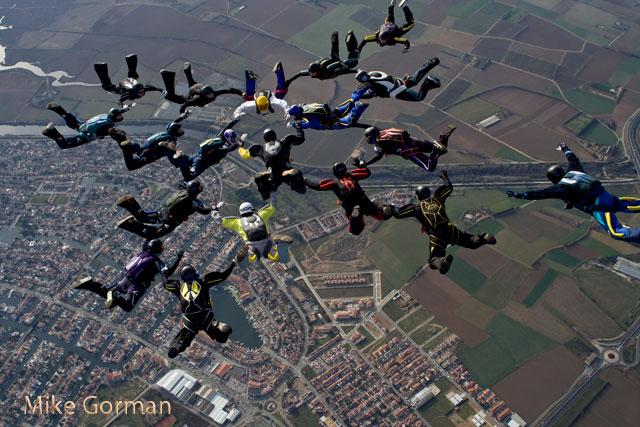 paracaidismo--xmas091231ByMikeGorman-(70).jpg