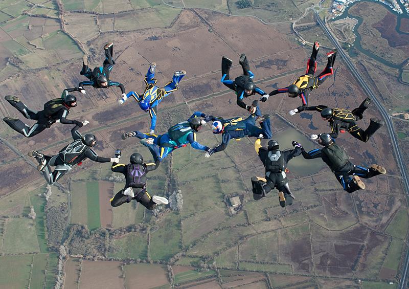 paracaidismo--xmasBoogie100101ByProject41-(1).jpg