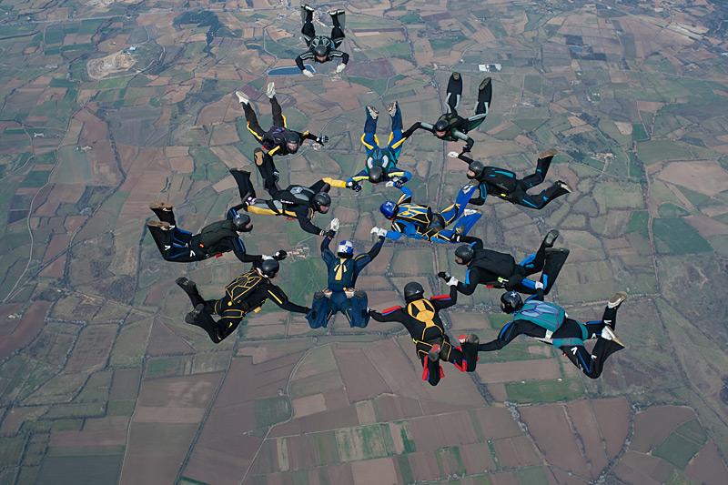 paracaidismo--xmasBoogie100101ByProject41-(7).jpg