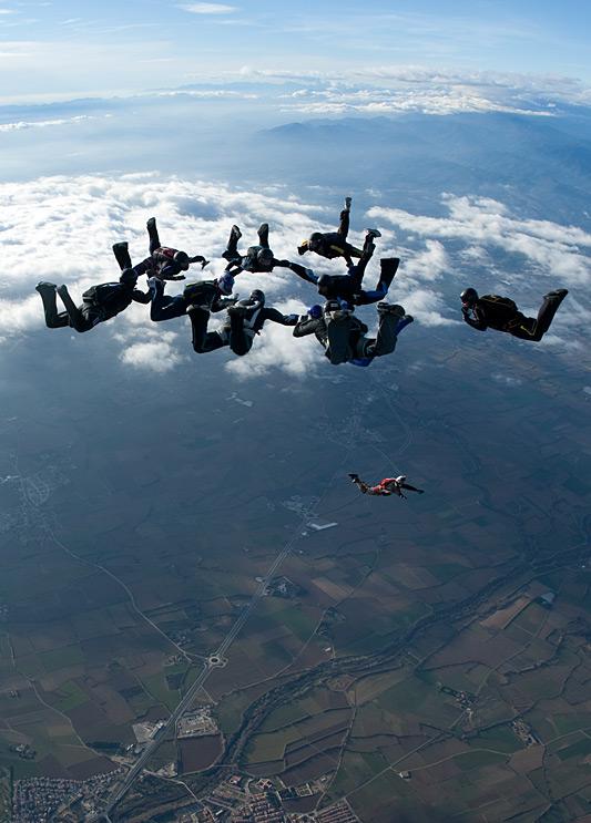 paracaidismo--xmasBoogie100102ByProject41-(21).jpg