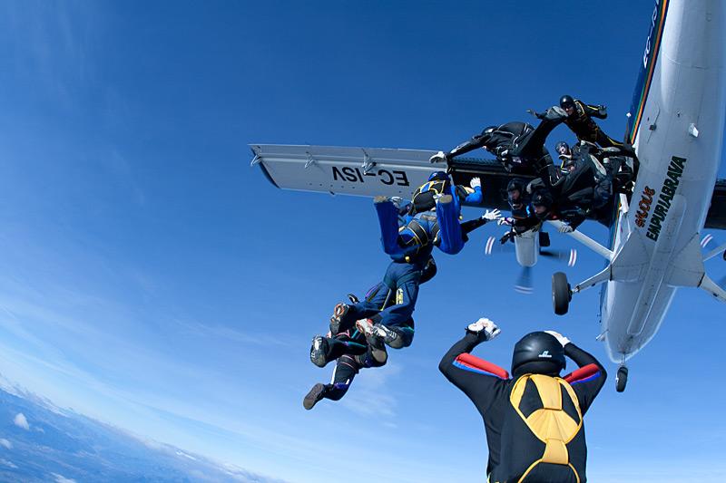 paracaidismo--xmasBoogie100102ByProject41-(3).jpg