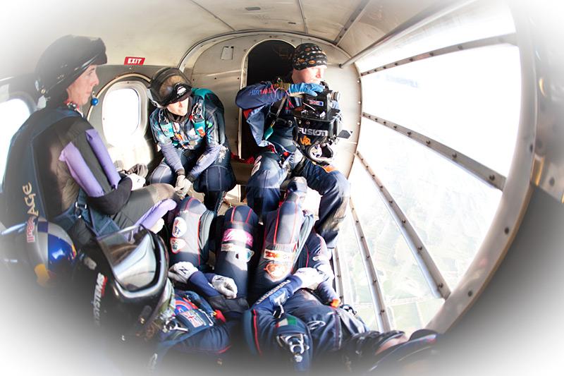 paracaidismo--hotWeekender13ByProject41-(10).jpg