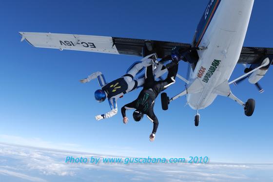 paracaidismo--180610vectorByGustavoCabana_-(3).JPG