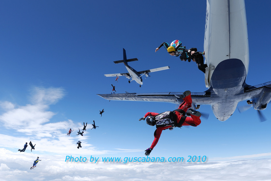 paracaidismo--180610vectorByGustavoCabana_-(6).JPG
