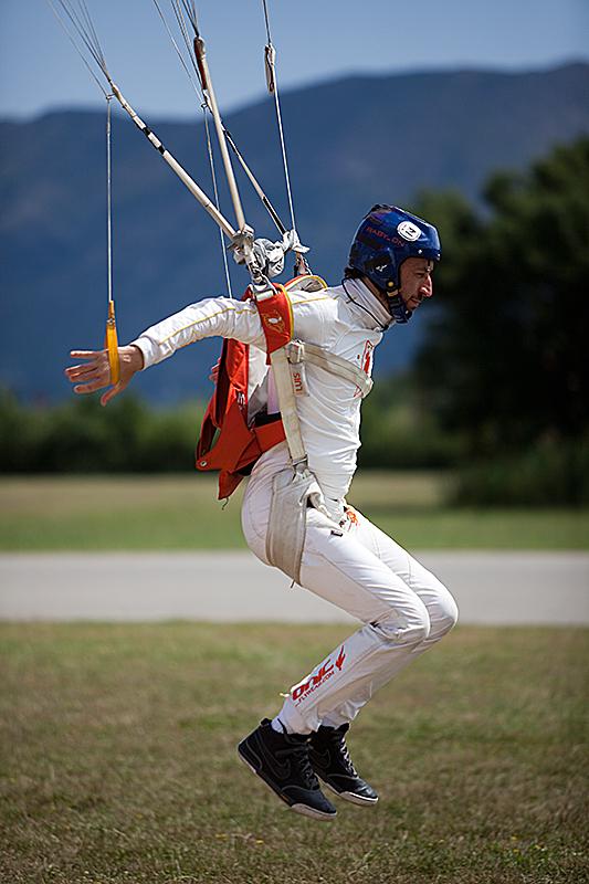 paracaidismo--190610VectorFestByGary-(7).jpg