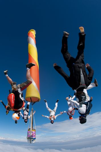 paracaidismo--VectorFest10ByBabylon-(17).jpg