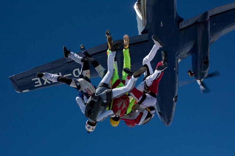 paracaidismo--VectorFest10ByBabylon-(23).jpg