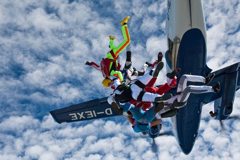 paracaidismo--VectorFest10ByBabylon-(35).jpg