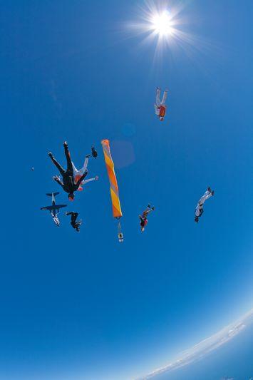 paracaidismo--VectorFest10ByBabylon-(5).jpg
