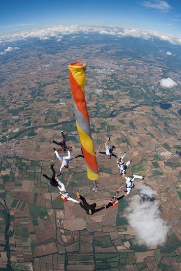 paracaidismo--VectorFest10ByBabylon-(7).jpg