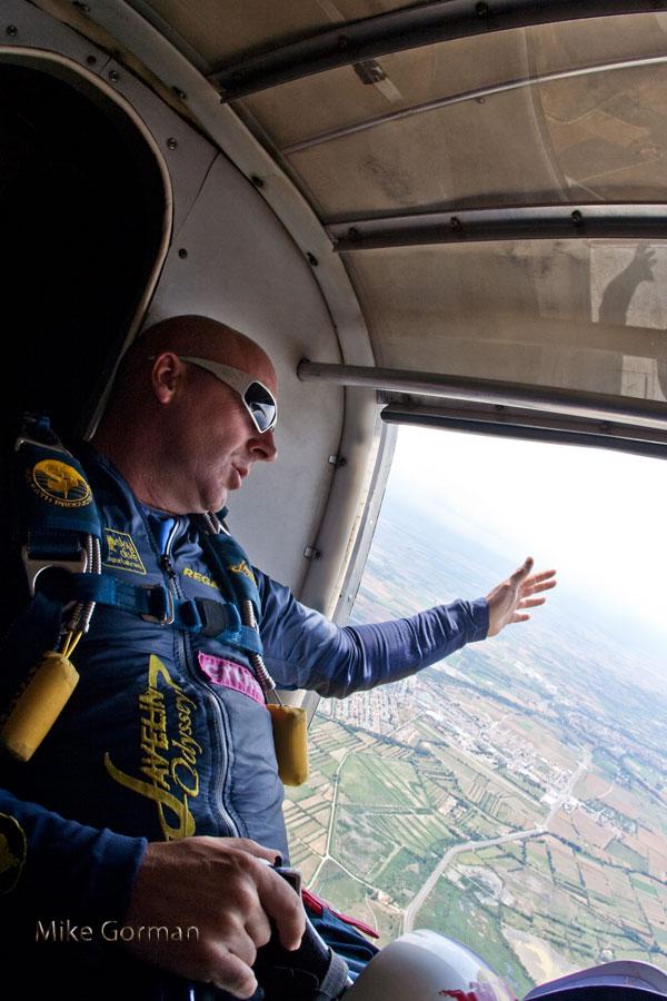paracaidismo--vetorFest10ByMikeGorman-(11).jpg