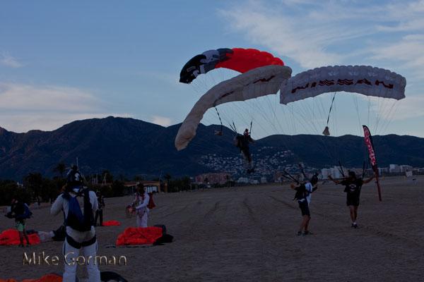 paracaidismo--vetorFest10ByMikeGorman-(25).jpg