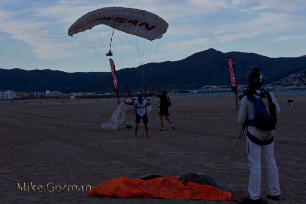 paracaidismo--vetorFest10ByMikeGorman-(26).jpg