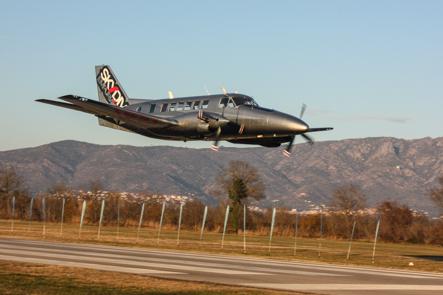 paracaidismo--Beech99byMikeBurdon.jpg