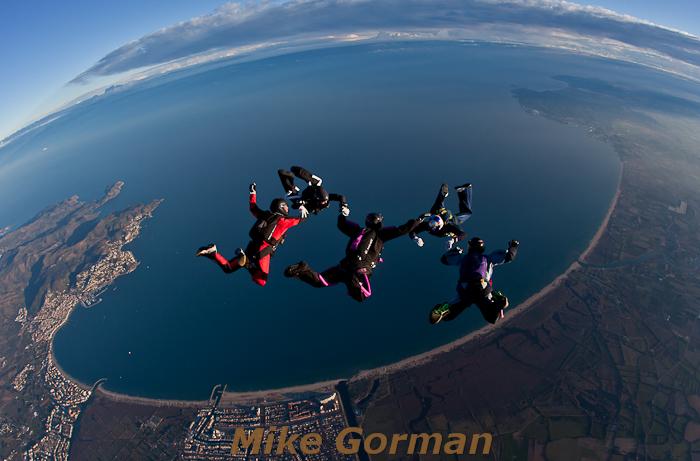 paracaidismo--hotWeekenderByMikeGroman20101121.jpg
