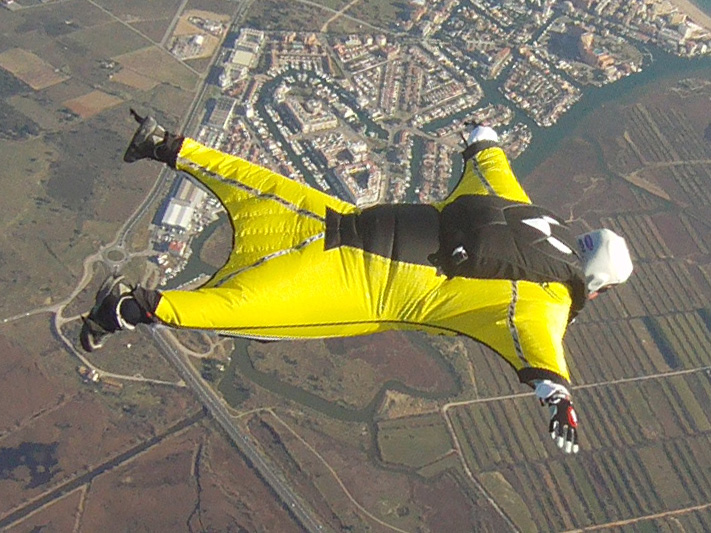paracaidismo--000wingsuit012010ByAlain.jpg