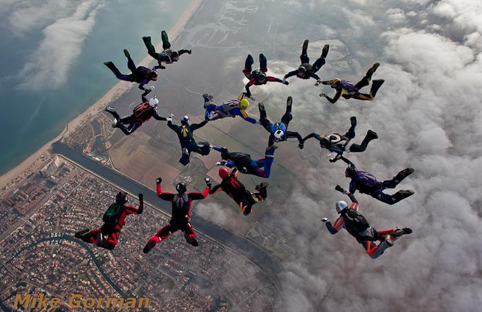 paracaidismo--Xmasboogie2010ByMikeGorman3012-(6).jpg