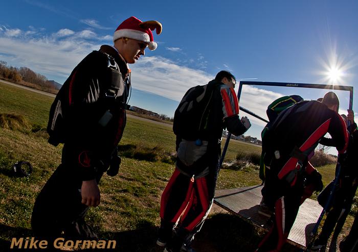 paracaidismo--christmasBoogie2010ByMikeGorman29-(15).jpg