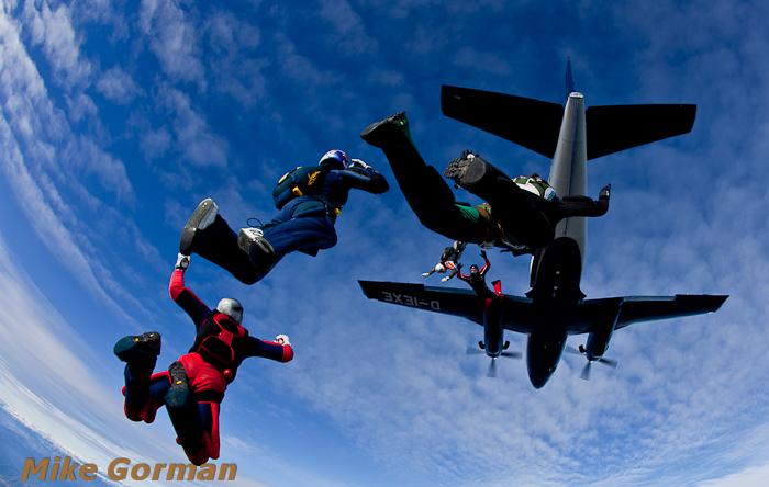 paracaidismo--christmasBoogie2010ByMikeGorman29-(19).jpg