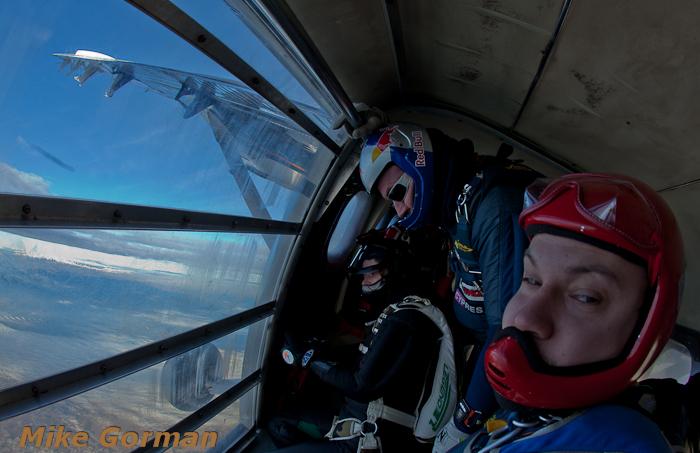 paracaidismo--christmasBoogie2010ByMikeGorman29-(28).jpg