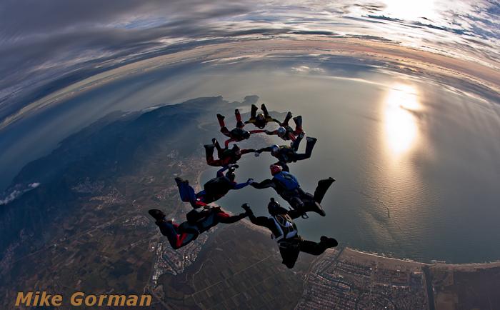 paracaidismo--christmasBoogie2010ByMikeGorman29-(31).jpg