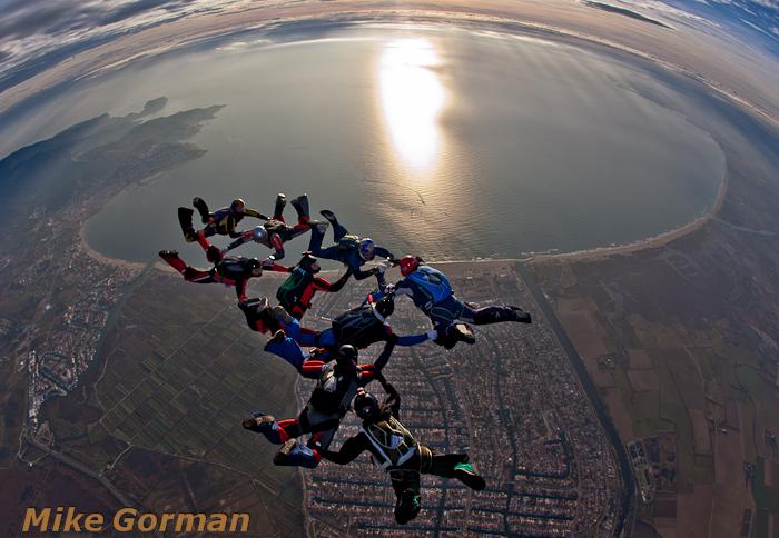 paracaidismo--christmasBoogie2010ByMikeGorman29-(32).jpg