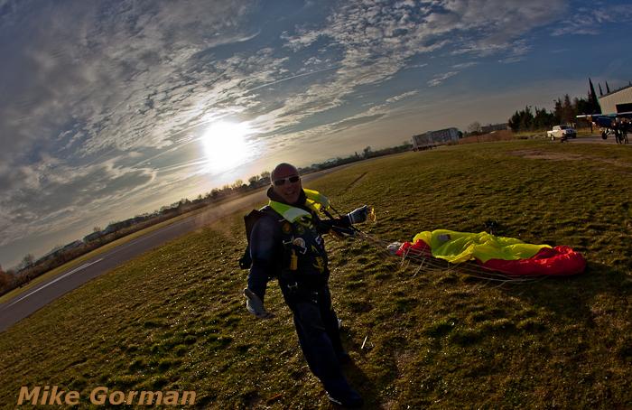 paracaidismo--christmasBoogie2010ByMikeGorman29-(33).jpg