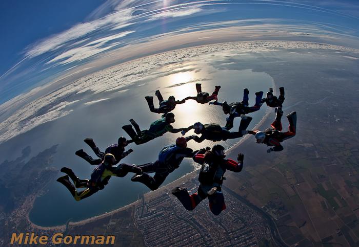 paracaidismo--christmasBoogie2010ByMikeGorman29-(37).jpg