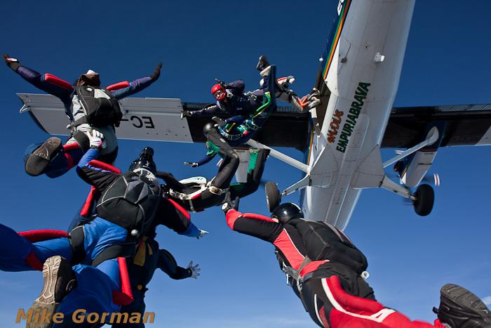 paracaidismo--christmasBoogie2010ByMikeGorman29-(41).jpg
