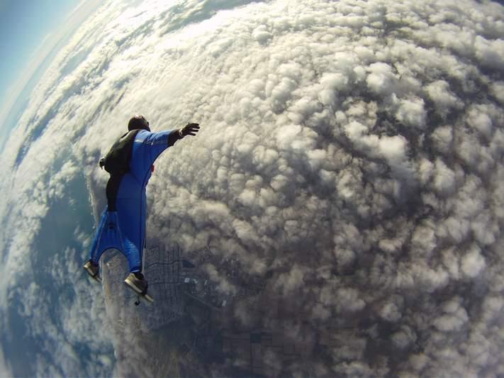 paracaidismo--wingsuit012010ByAlain.JPG