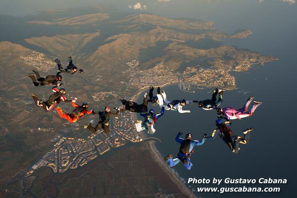 paracaidismo--xmasboogie10-30-guscabana.com-(1).JPG