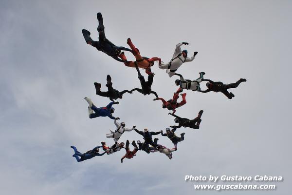 paracaidismo--xmasboogie10-30-guscabana.com-(10).JPG