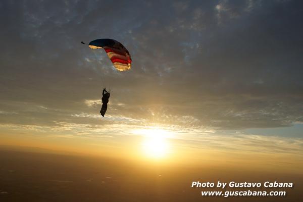 paracaidismo--xmasboogie10-30-guscabana.com-(4).JPG
