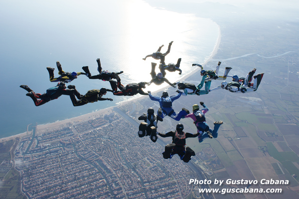 paracaidismo--xmasboogie10-30-guscabana.com-(5).JPG