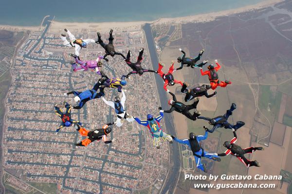 paracaidismo--xmasboogie10-30-guscabana.com-(8).JPG