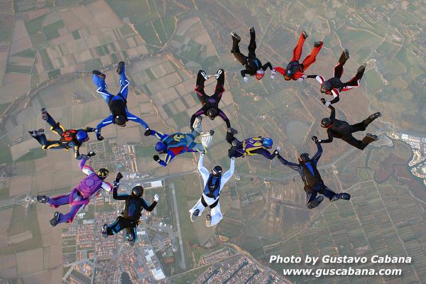 paracaidismo--xmasboogie10-30-guscabana.com.JPG