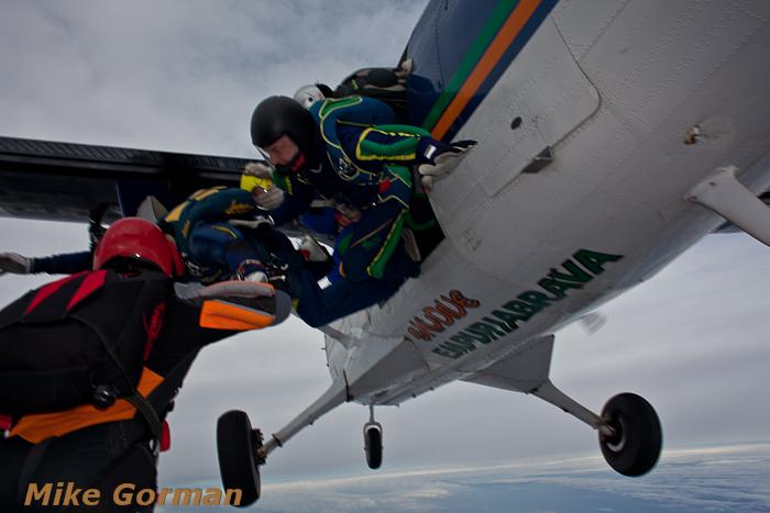 paracaidismo--xmasboogie2010ByMikeGorman0201-(11).jpg