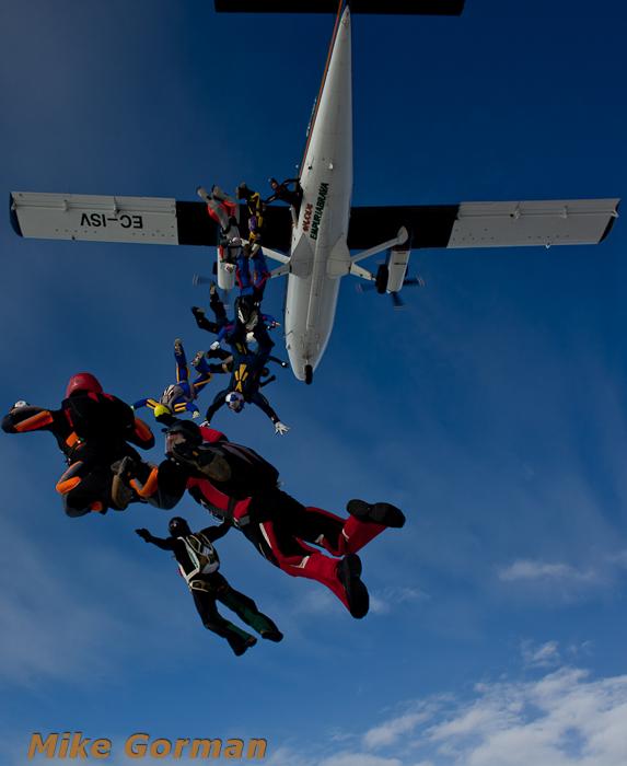 paracaidismo--xmasboogie2010ByMikeGorman0201-(13).jpg