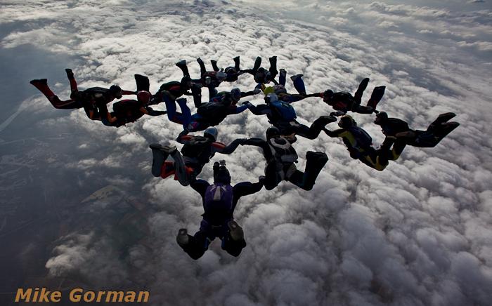paracaidismo--xmasboogie2010ByMikeGorman0201-(14).jpg