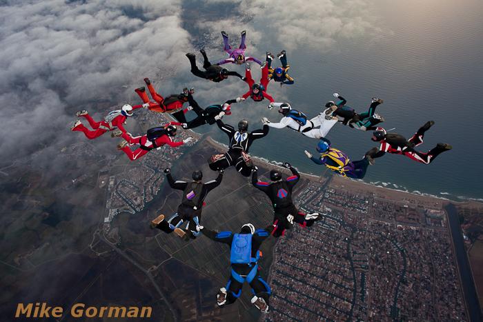 paracaidismo--xmasboogie2010ByMikeGorman0201-(29).jpg