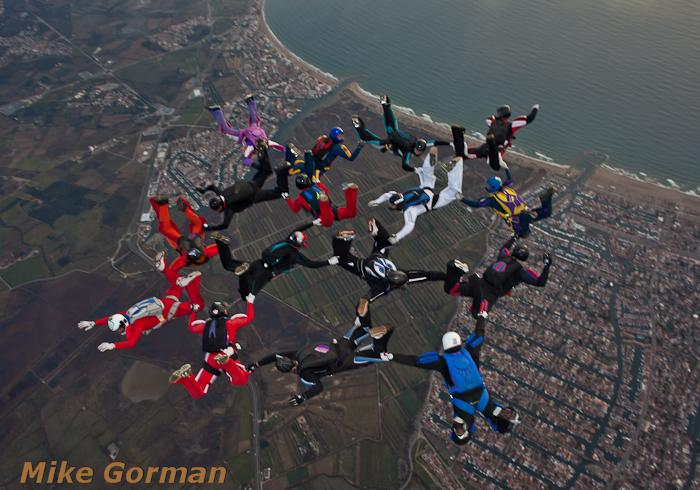 paracaidismo--xmasboogie2010ByMikeGorman0201-(30).jpg